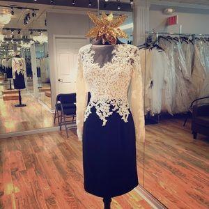 Dresses & Skirts - Sophisticated short formal dress